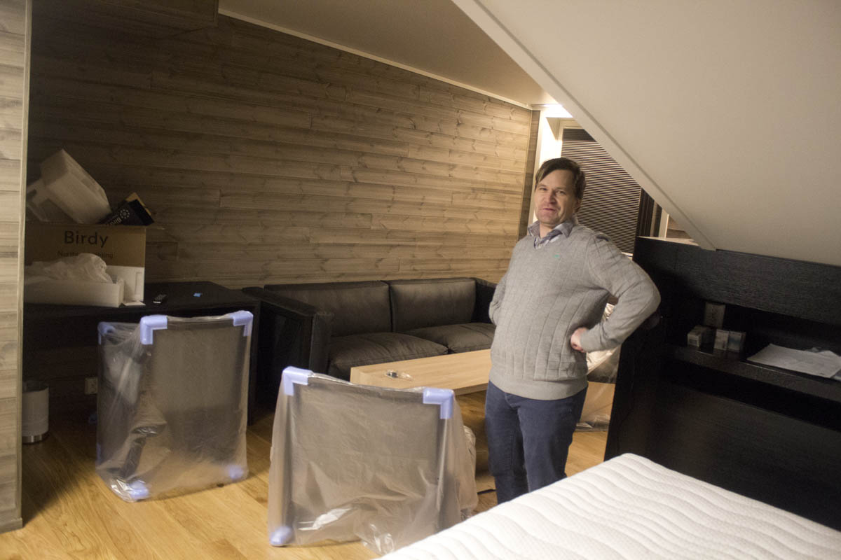 Check out, check in: Longtime manager departs one hotel after upgrade to oversee expansion of upstart competitor