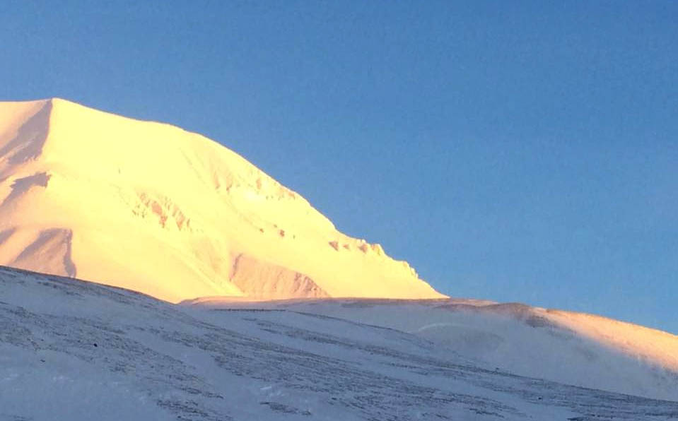 ALERT: Two avalanches occur near Longyearbyen, officials say nobody trapped