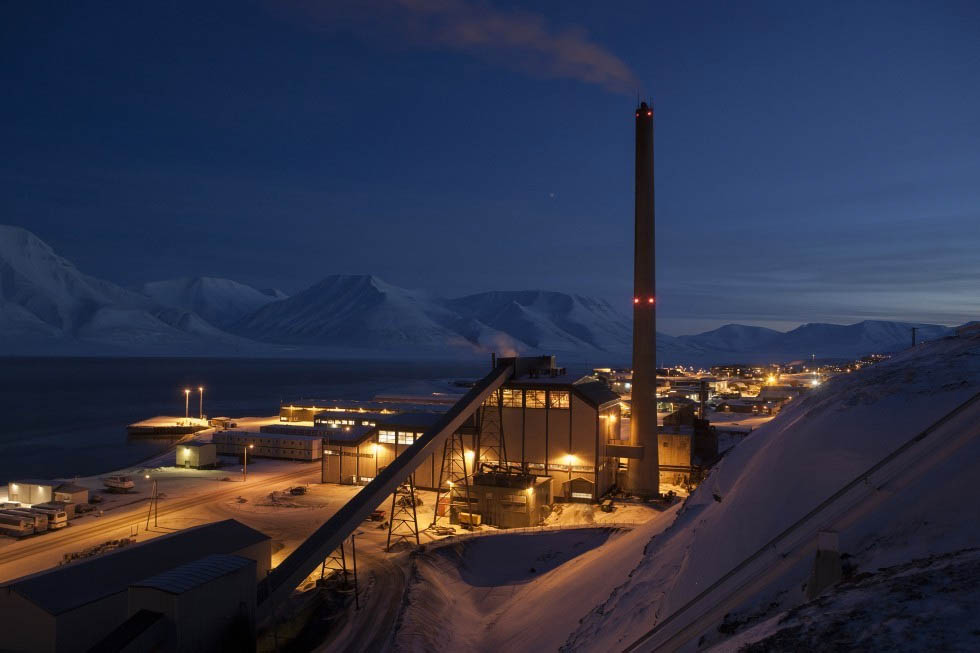 NEW POWER PLANT 'WITHIN TWO TO FIVE YEARS': Norway's government says new climate-friendly energy facility will be in 2022 budget; fate of Mine 7 and Store Norske uncertain