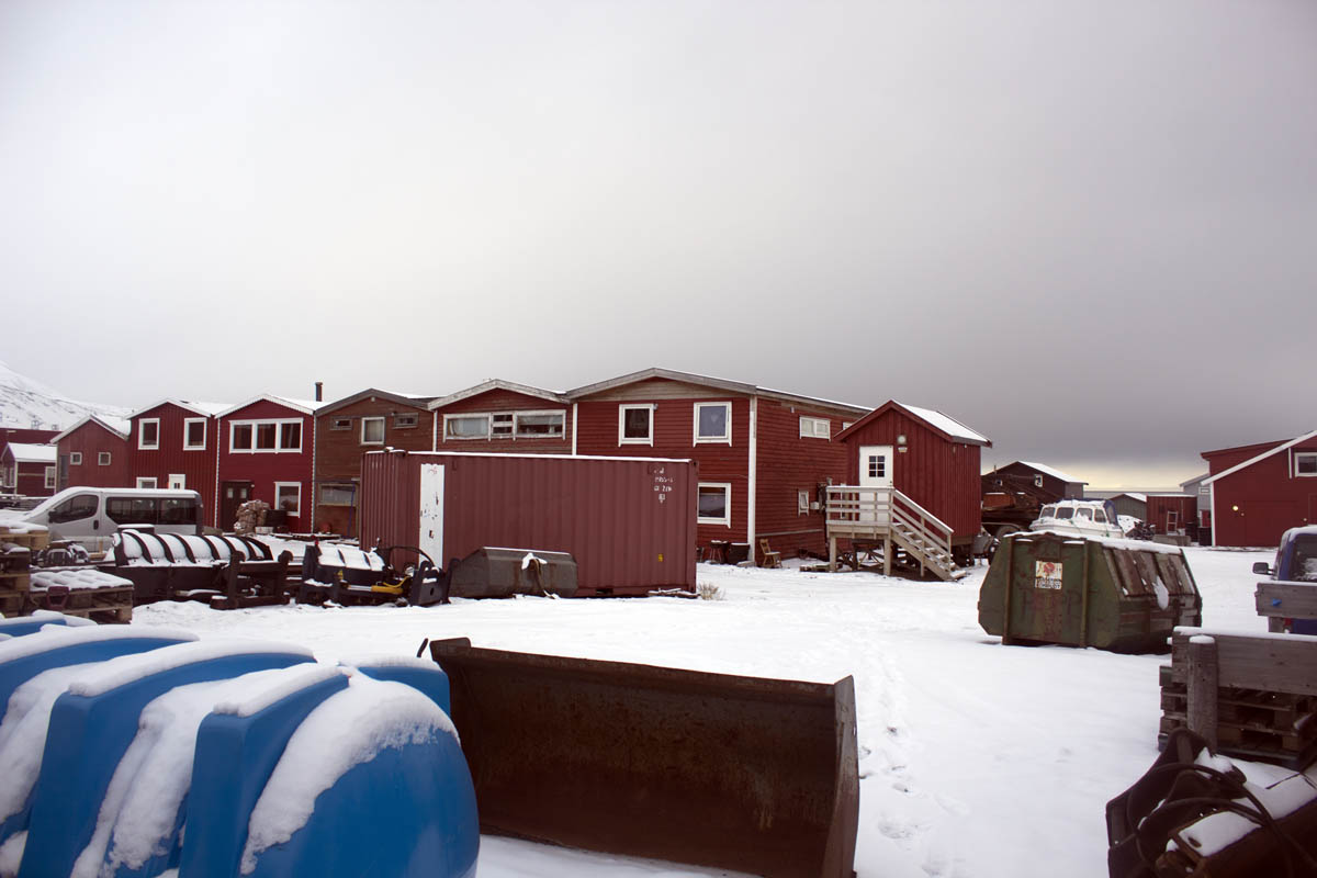 Booted from boathouses: Six people living illegally in buildings at Sjøområdet evicted by fire and city officials