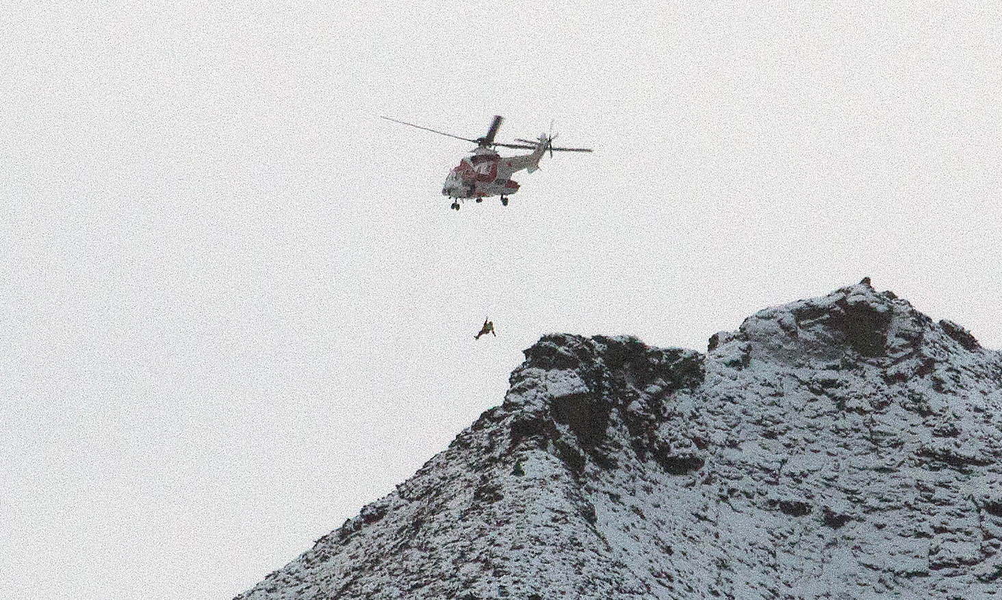 Stuck on Sarkofagen: Two hikers rescued by helicopter after getting trapped on peak