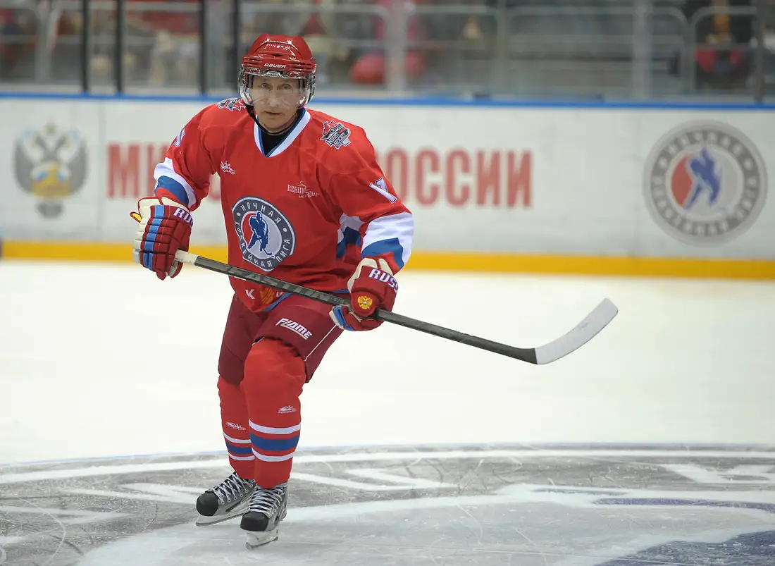WHAT THE PUCK? Putin may play in historic hockey game at Barneo in April – could he trigger yet another nasty political faceoff in Svalbard?