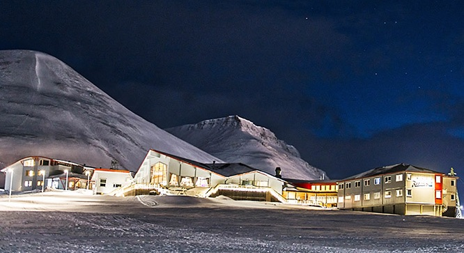 BIG HOTEL SALE: Hurtigruten may sell its three lodges and other Svalbard properties, joining Mary Ann's Polarrigg and Svalbar as notable tourism businesses on the market