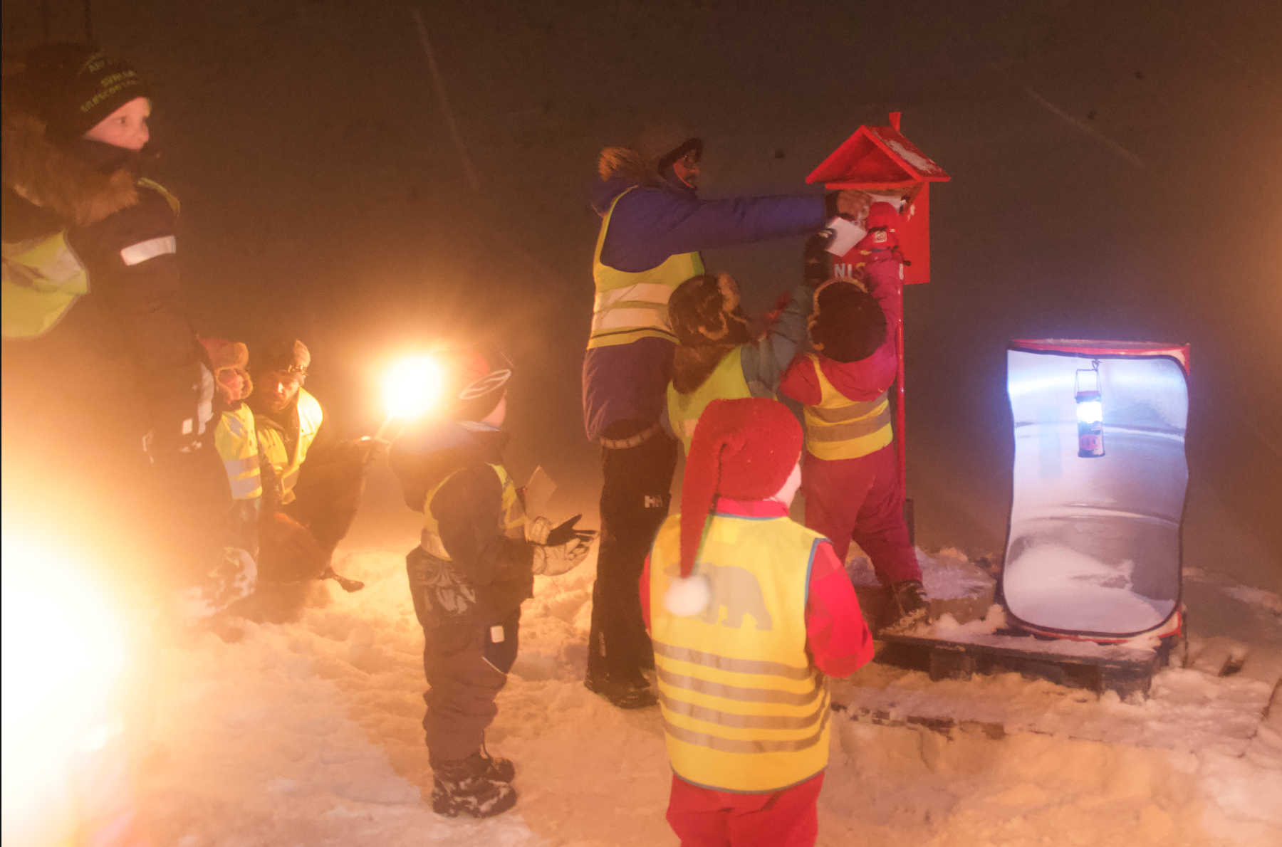 BRIGHTER, BUT BIZARRE, HOLIDAY HIGHLIGHTS: Advent in Longyearbyen starts w/ letters, lights, lyrics – and looney laws