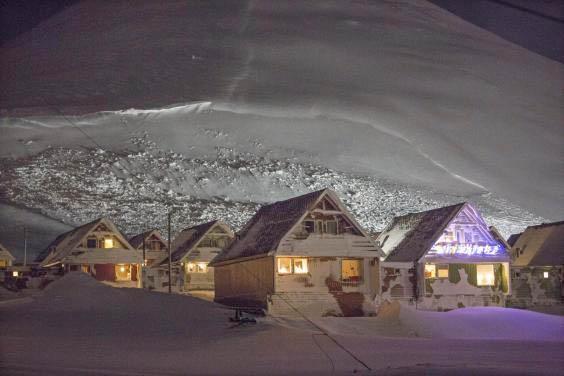 snowslidearea2
