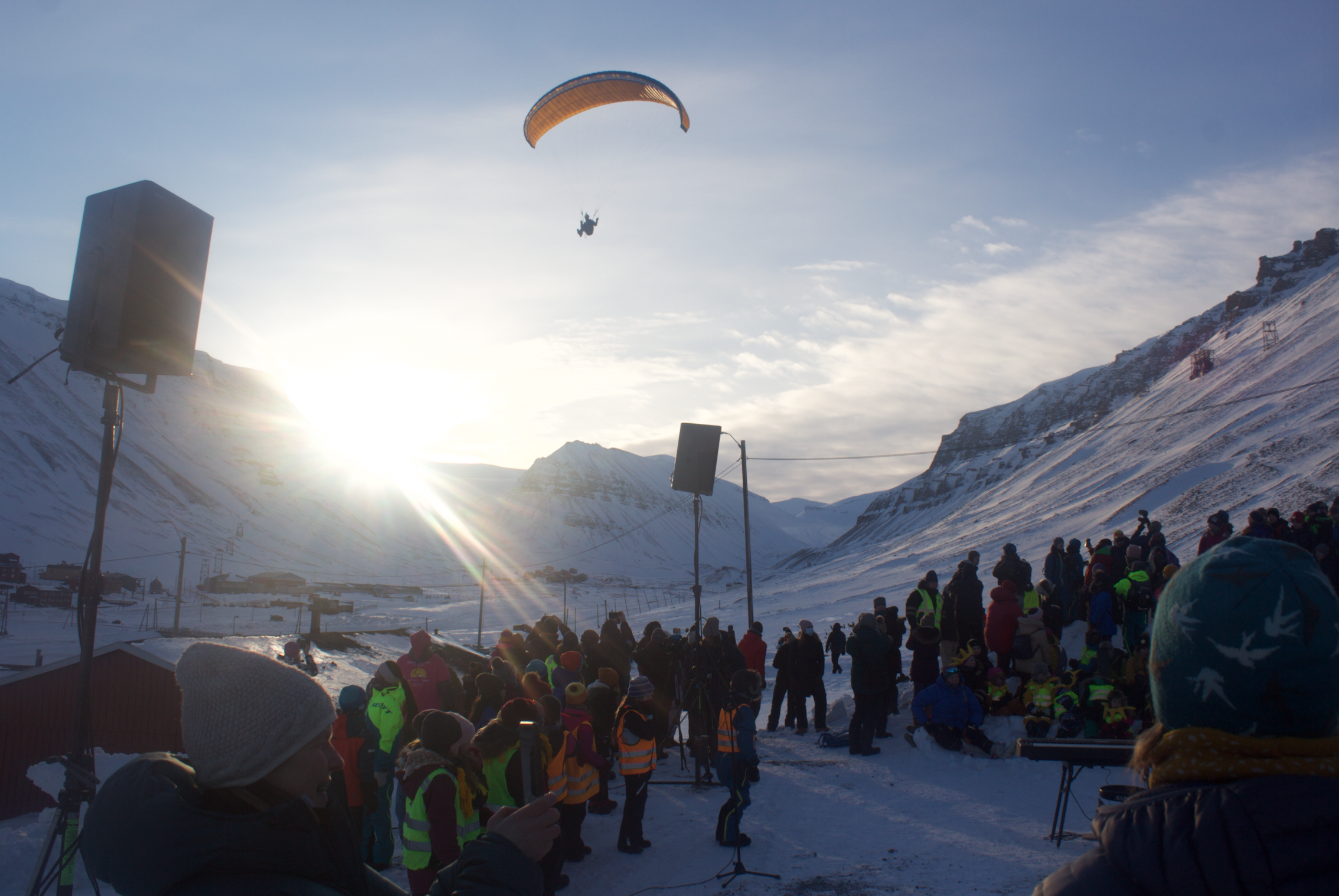 NO MASKING THIS SUNNY SPIRIT: First rays of sun return to Longyearbyen in four months as hundreds gather for Solfestuka celebration w/ only tiny COVID-19 cloud to put folks in a 'zone'