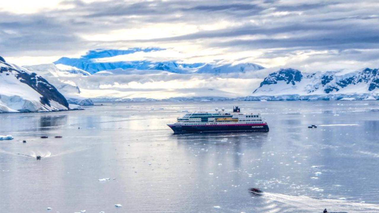 A BLESSED SUNDAY FOR TRAVELERS AS COVID-19 RESTRICTIONS EASED: No virus test for vaccinated people going to Svalbard; coastal cruises and charter flights allowed
